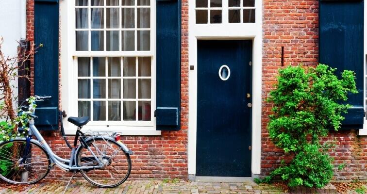 fiets voordeur huis